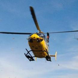 Malore fatale in baita a Zambla Alta Arriva l'elicottero: muore un 71enne