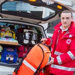 Il 25 è in ambulanza: «Che gioia veder nascere un bambino»