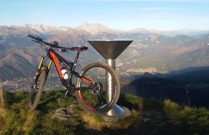 Escursione in mountain bike: vista dal Pizzo Formico