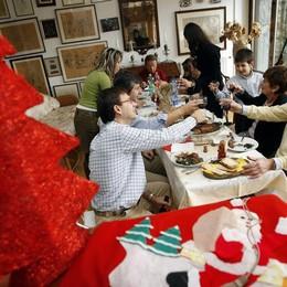 Pranzo di Natale, spesi 2,2 miliardi A tavola vince il Made in Italy - I piatti