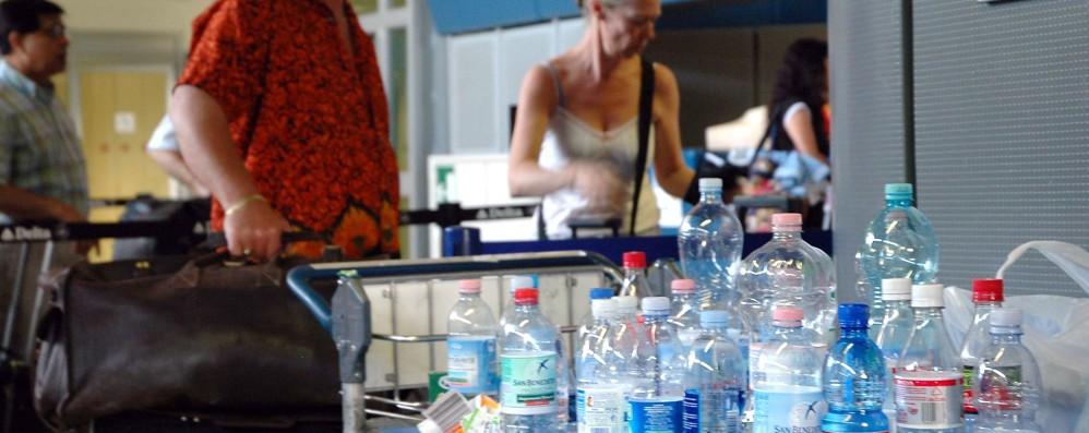 Aeroporti: acqua low cost dopo i controlli  Ci lavora il Commissario ai trasporti Ue