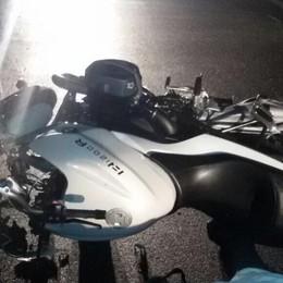 Strada scivolosa, cade dalla moto Tragedia a Dalmine: muore un 42enne