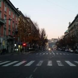 Oggi è il giorno delle targhe dispari Ore 8, Bergamo vuota. Ecco le regole