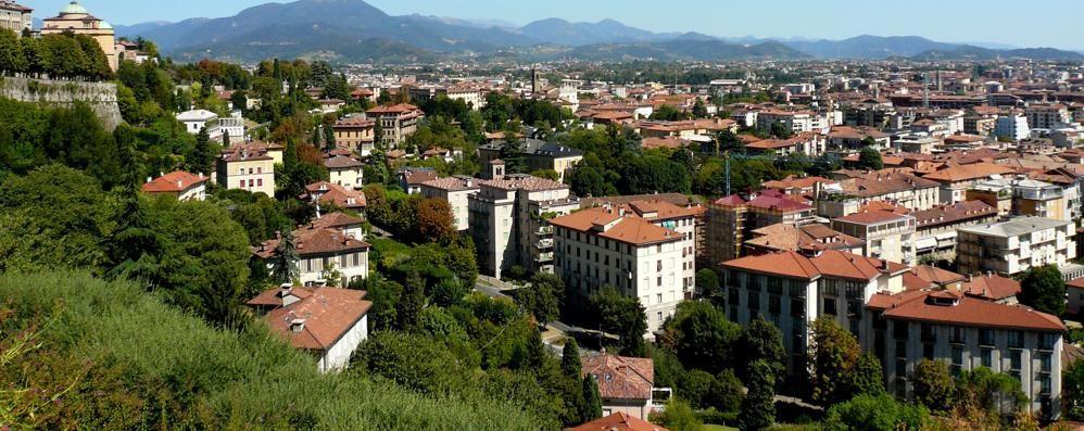 Le case da «sciùr»: solo lo 0,8% può spendere oltre 630 mila euro