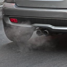Smog, l'Aci: non è colpa solo delle auto Ma troppe quelle vecchie, ibrido da  aiutare