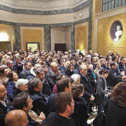 Bergamo dà il benvenuto a «Il sarto» Per Moroni code alla Carrara - foto e video