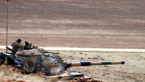 Isis: Iraq a Turchia, ritirate truppe