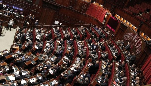 Riunione su banche governo-maggioranza
