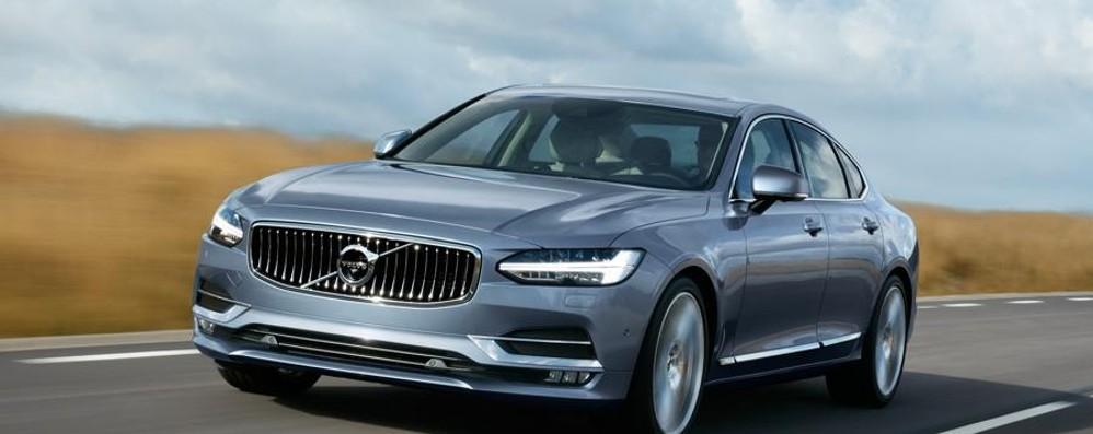 Ammiraglia Volvo S90 a guida semi autonoma