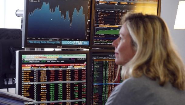 Borsa: Parigi chiude in rialzo (+0,9%)