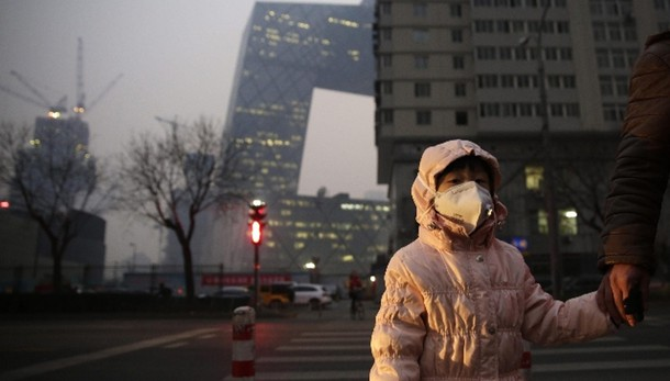 Pechino lancia allarme rosso smog