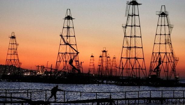 Petrolio a picco, Wti sotto 38 dlr