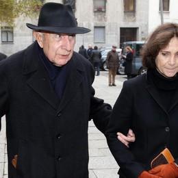 Il presidente onorario della camera della moda, Beppe Modenesi, questa mattina al funerale della stilista Krizia