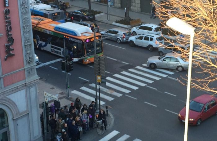 Traffico in viale Papa Giovanni nel pomeriggio