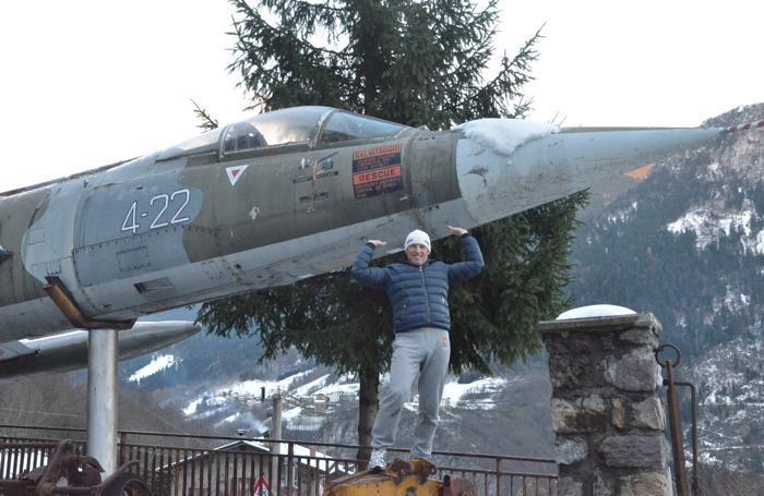 Silvano Bettineschi con un  aereo F104