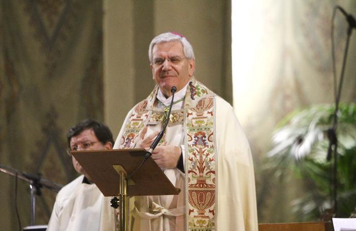 Il vescovo Francesco Beschi nella giornata per la vita