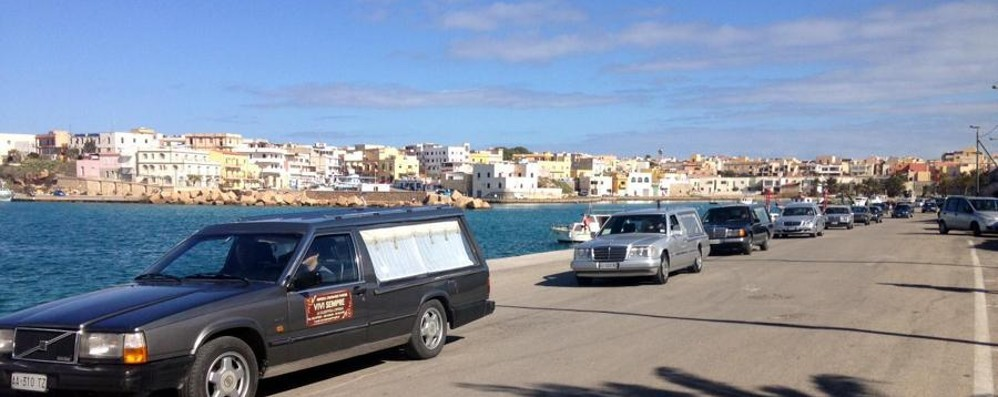Nuova strage di immigrati nel mare Lampedusa, oltre 300 morti