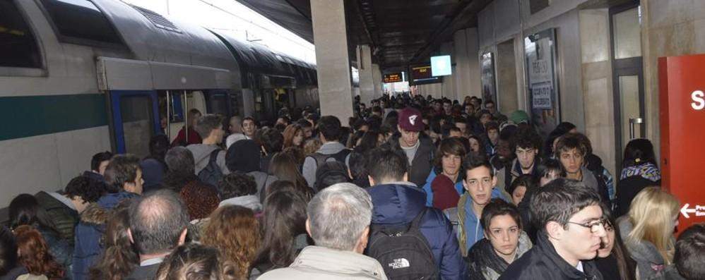 Pendolari, italiani avanti (molto) piano Sette giorni l'anno passati in viaggio
