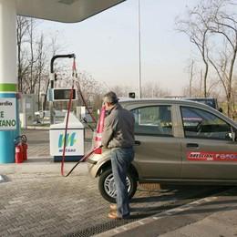 Metano e gpl obbligatori ai distributori Il Governo impugna la legge regionale