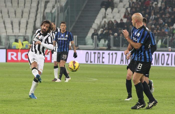 Il gol di Pirlo per il definitivo 2-1