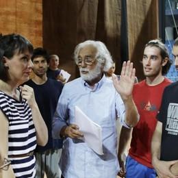 Ronconi durante le prove in vista del Rossini Opera Festival, 5 agosto 2014