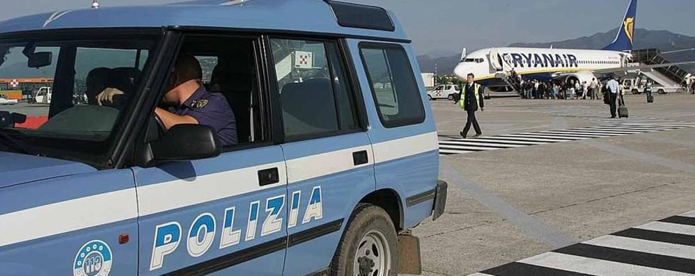 Banda delle valigie, allerta in aeroporto Scatta il blitz della polizia: un arresto