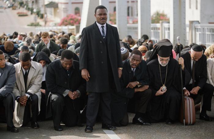 Un'immagine di «Selma». Sopra «American Sniper»
