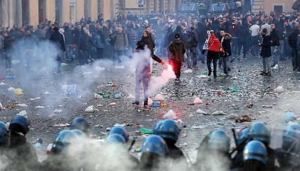Polizia Olanda, presto nomi dei violenti