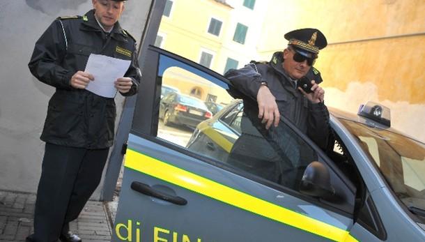 Gdf in Asl To1, perquisizioni e arresti
