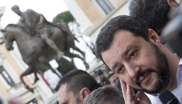 Lega: Salvini, Tosi non è fuori
