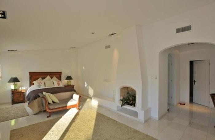 Un'altra camera da letto della villa