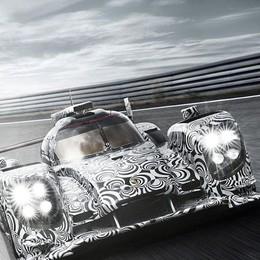 Il bolide  endurance al  Centro Porsche
