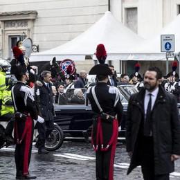 Il presidente della Repubblica Sergio Mattarella fa il suo ingresso nel palazzo del Quirinale.