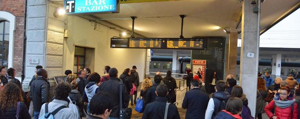 «Trenord, dove sono i controllori?» Questa sera i pendolari su BgTv