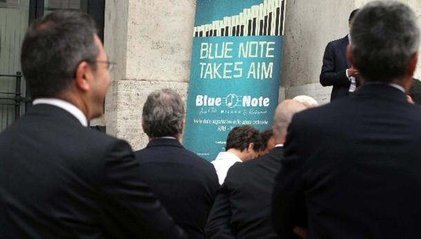 Borsa: Milano apre in calo (-1,06%)