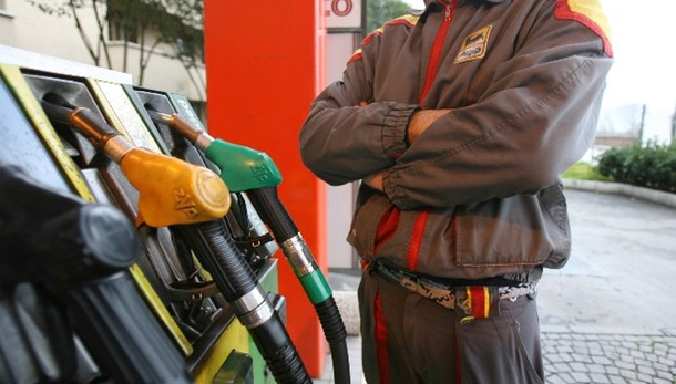 Dopo benzina e diesel scende anche Gpl