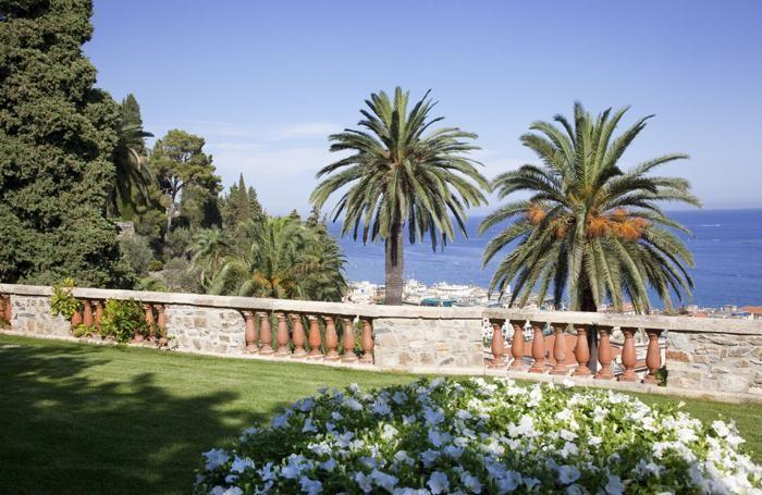 Villa della Pergola con vista sul golfo di Alassio.