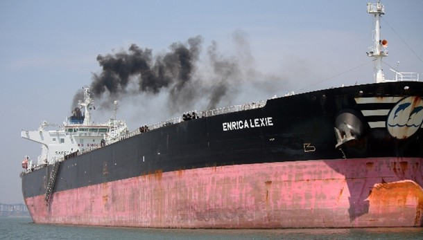 Sequestro ad armatore petroliera marò