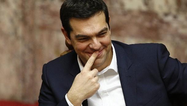 Tsipras: troika è completamente finita