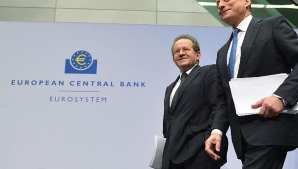 Cambi: euro in calo a 1,1454 dollari