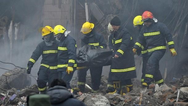 Cina:a fuoco centro commerciale,17 morti
