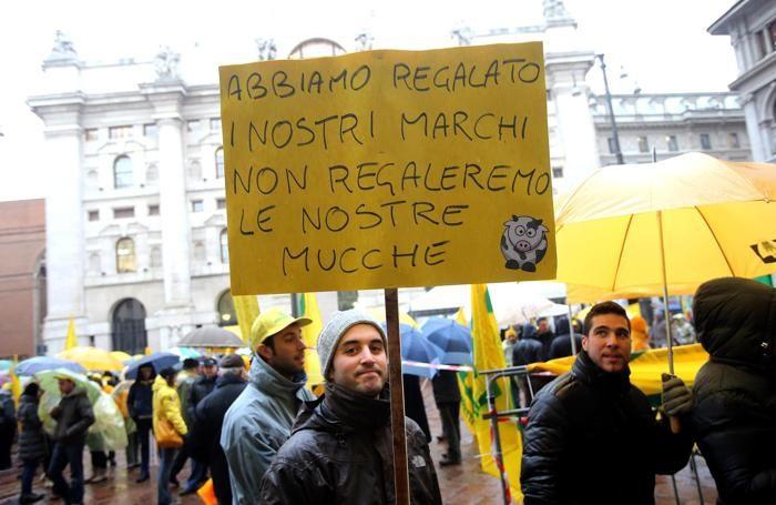 Allevatori in piazza a Milano