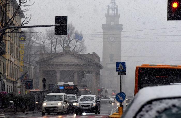 La neve in centro a Bergamo