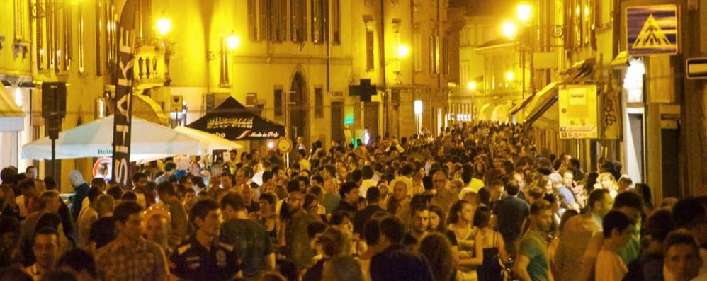 Santa Caterina, torna la movida Orari liberi: «Locali aperti fino alle 2»