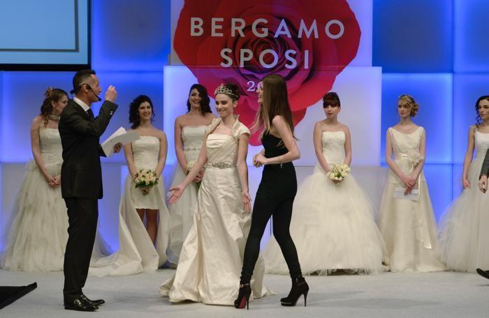 fc523d12cc94 Ha vinto il concorso Miss Orogioiello la ventenne Giulia Rozzoni di Bergamo  mentre per la fascia di Miss Lerouge c era Ilaria Esposito di Bergamo.