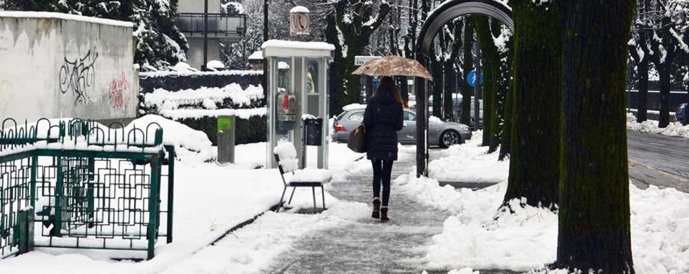 Gomme da neve, pulire davanti casa Ecco tutti gli obblighi dei cittadini