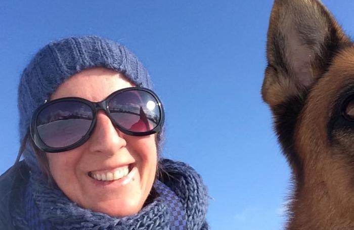 Nuvola Amighetti con il suo cane Camilla in un selfie