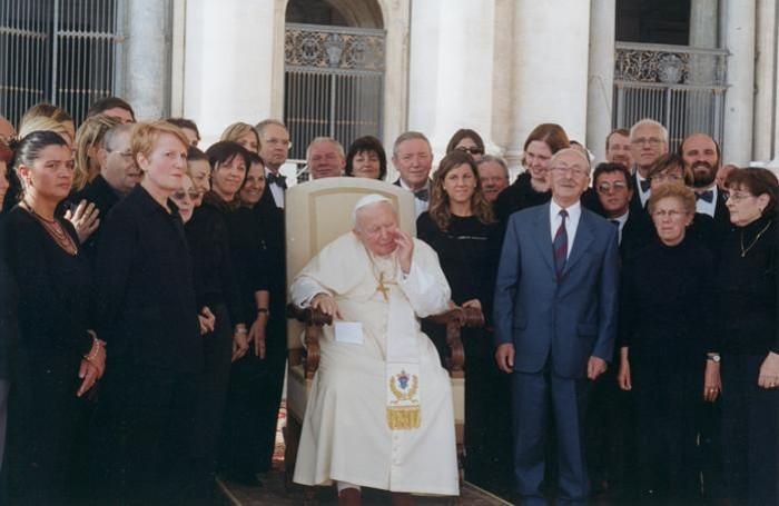 Renzo Pagani a Roma con il coro da Papa Giovanni Paolo II nel 2002