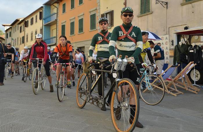 Santini si fa vintage E in bicicletta veste l Eroica - Rubriche Bergamo fb16ba4bc78