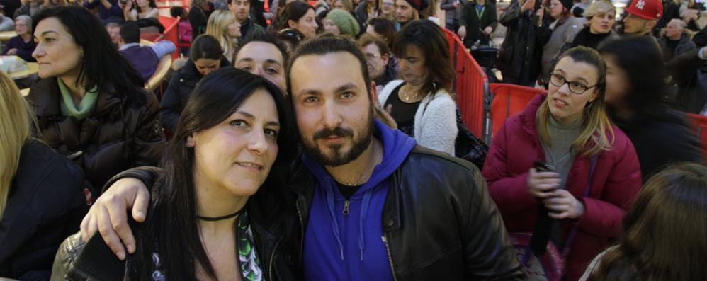 Duecento fan per Grignani a Curno Domenica il bis con Anna Tatangelo